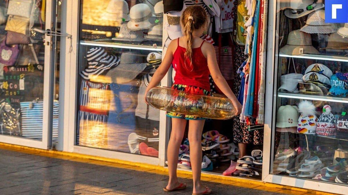 На Кубани разрешили принимать на курортах туристов, готовых привиться по прибытии в регион