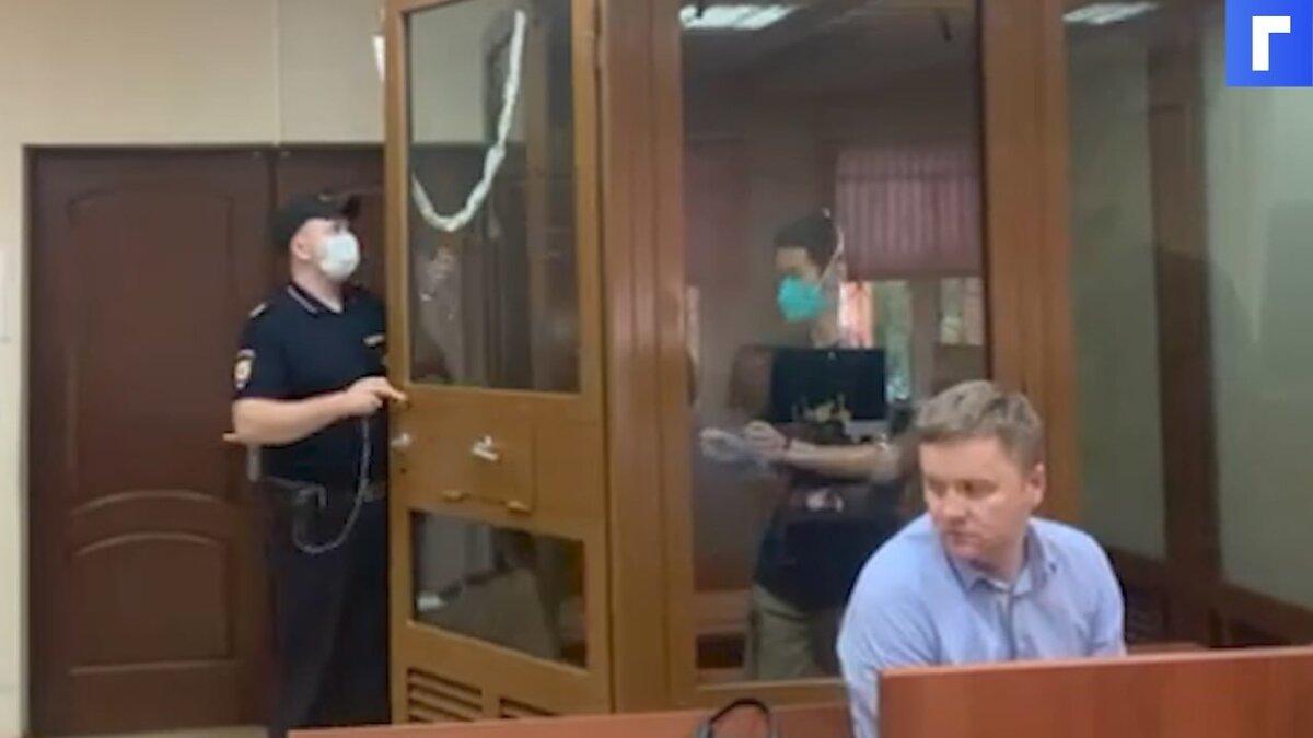 Московский суд отказался арестовать китайца, купившего сына у суррогатной матери в РФ