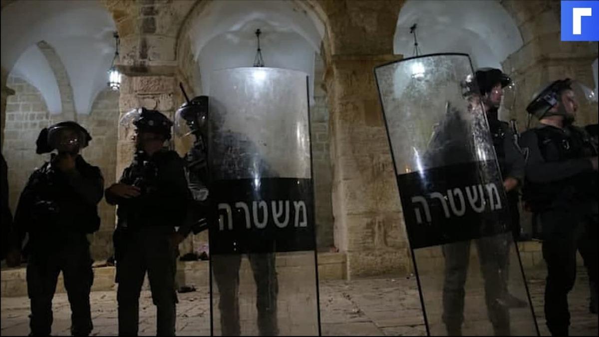 Столкновения палестинцев с полицией начались по всему Западному берегу