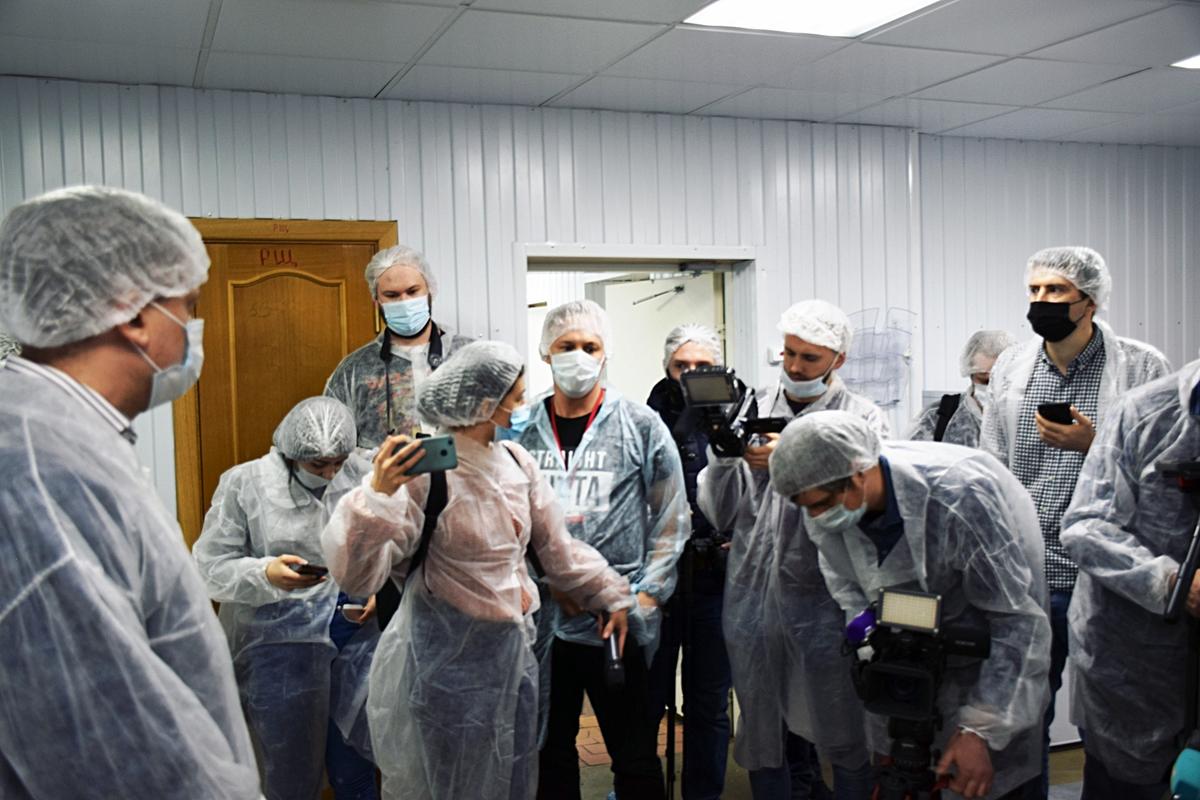 Журналисты убедились в отсутствии нарушений на пищекомбинате «КСП Василеостровского района»
