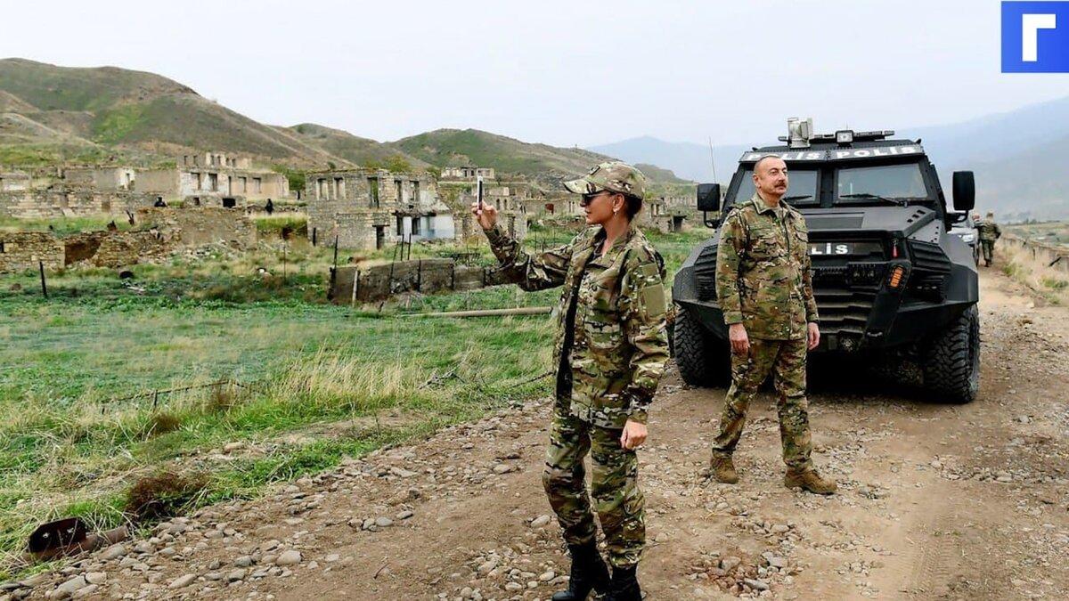 МИД Азербайджана призвал решать ситуацию в Армении двусторонними контактами