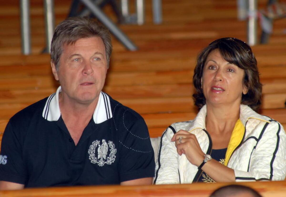 В клубы не пускает: Мечтающий о молодых Лещенко получил отпор от жены