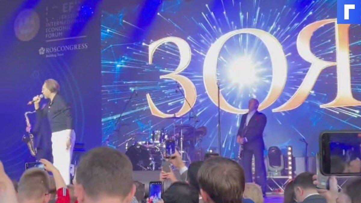 Лидер группы «Ленинград» Сергей Шнуров представил свою новую группу «Зоя»