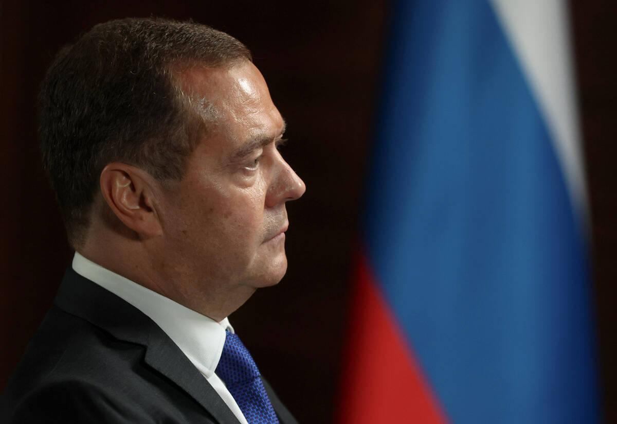 Медведев рассказал, почему не видит себя в Госдуме нового созыва
