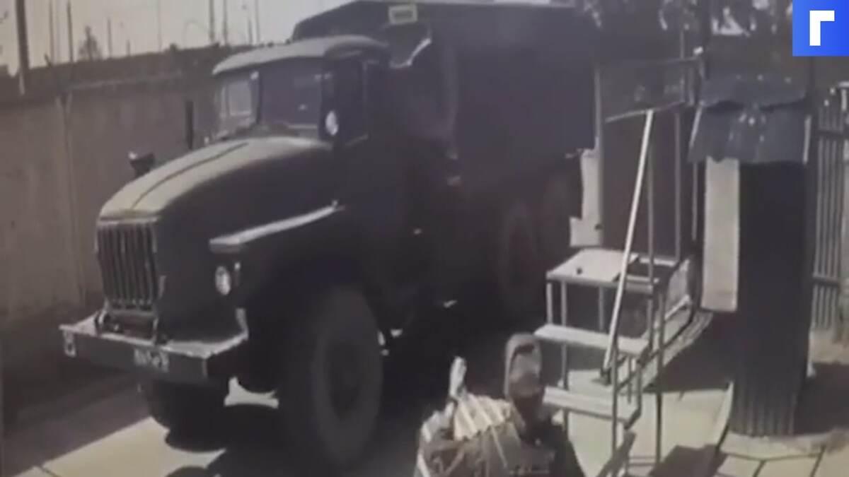В Подмосковье военнослужащий погиб в ДТП у КПП воинской части