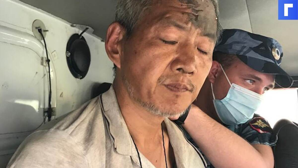 В Азове задержали неадеквата, зарезавшего пассажирок автобуса