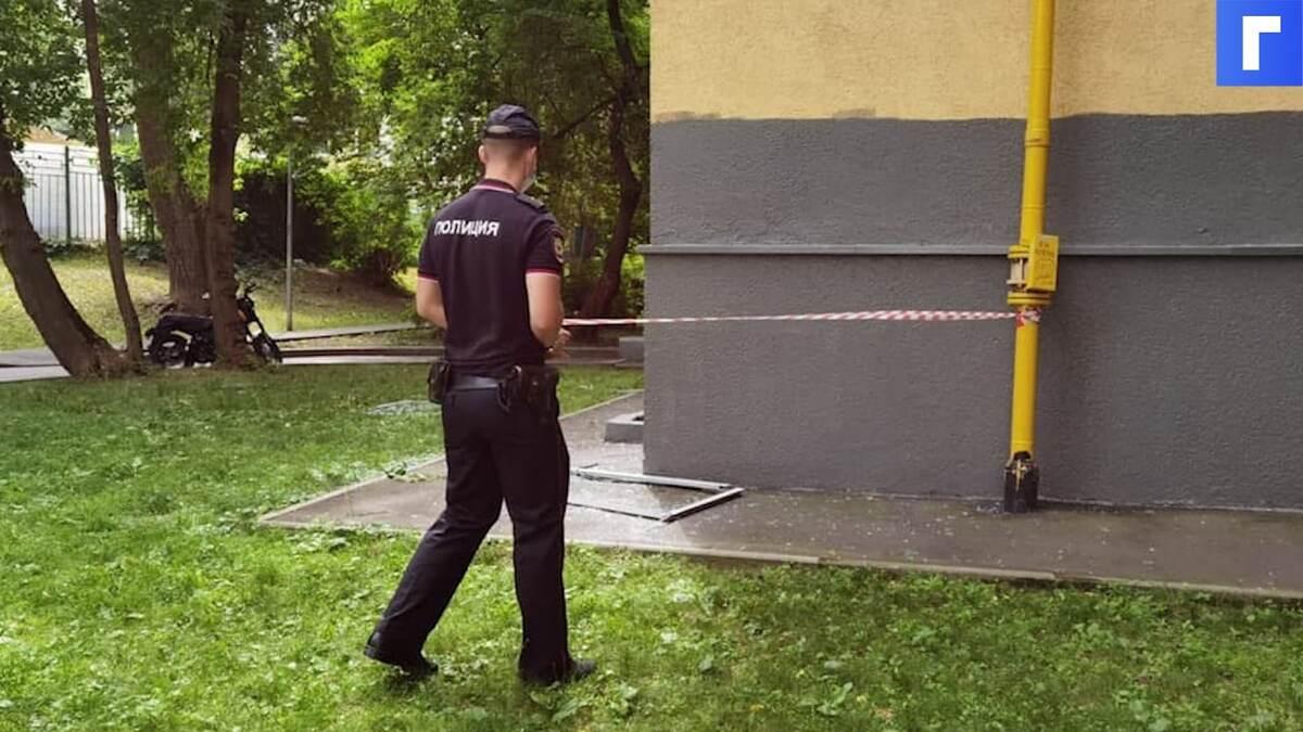 В жилом доме Москвы прогремел взрыв: мужчина грел еду на газовых баллончиках