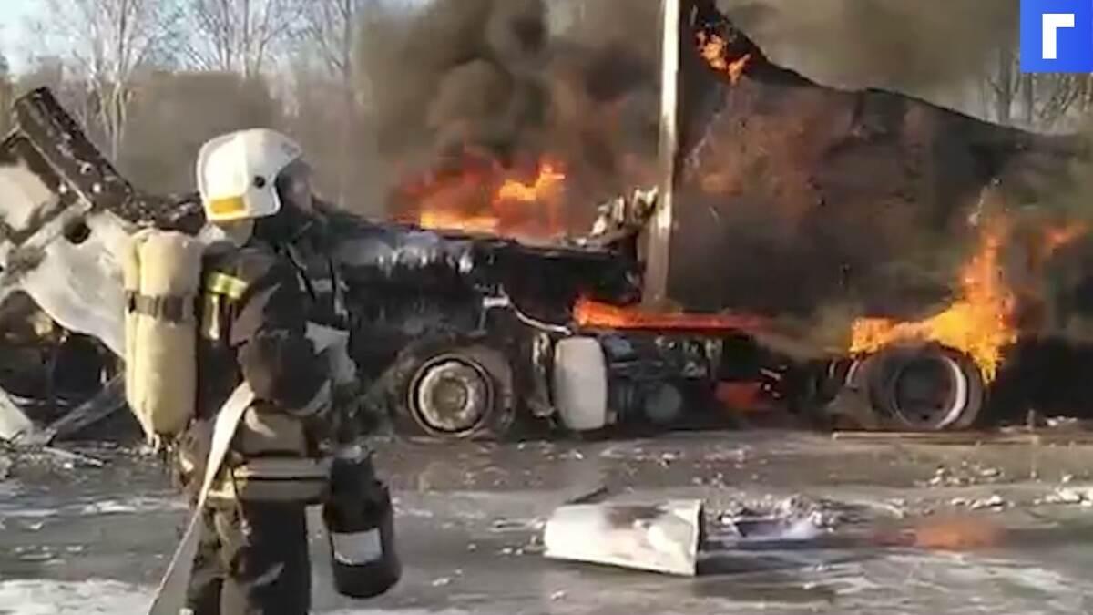 Возгорание трех грузовых автомобилей под Екатеринбургом ликвидировали