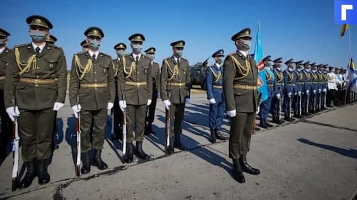 На Украине солдат почётного караула уронил ножны к ногам президента Грузии