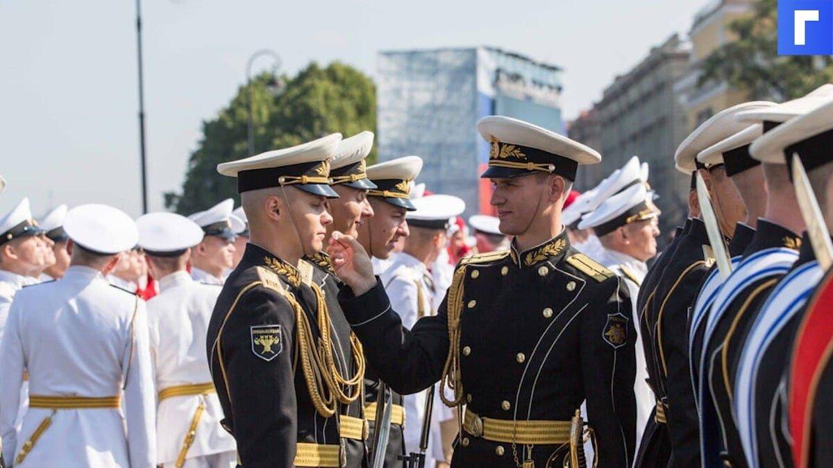 Военнослужащим повысят оклады