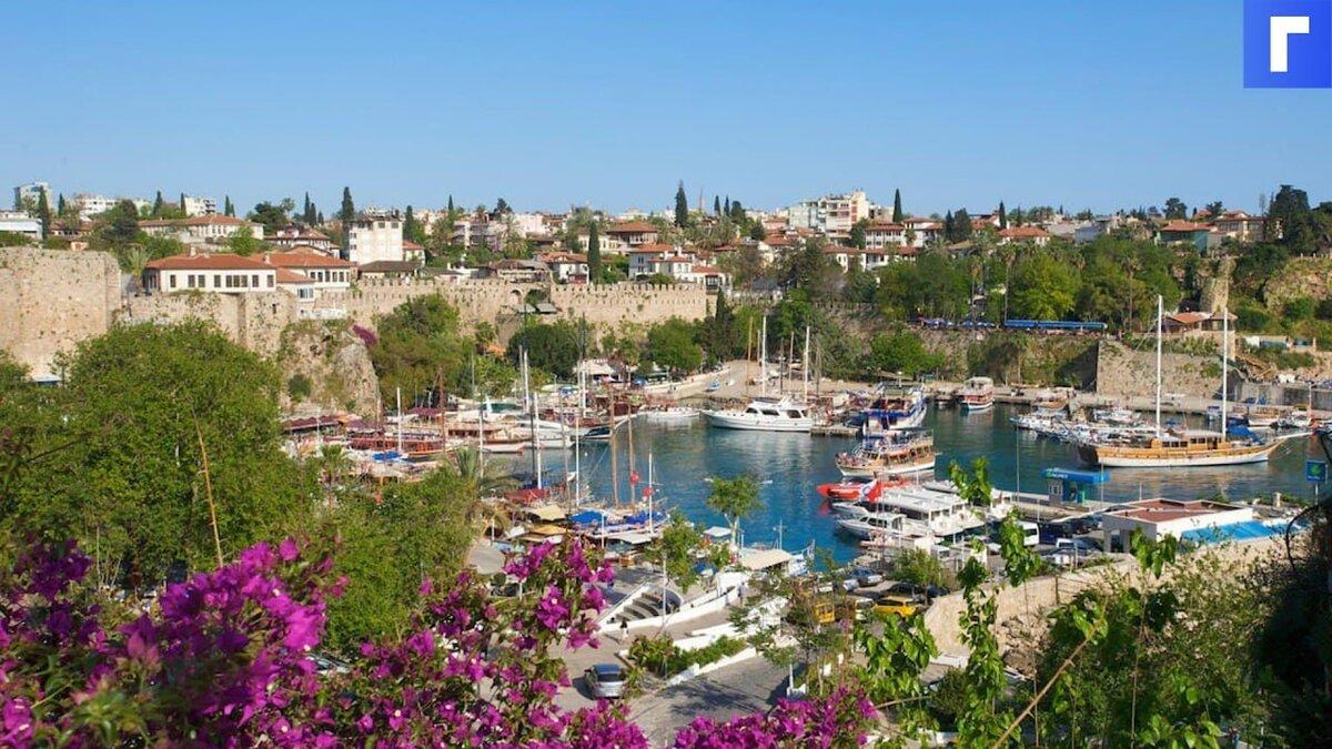 Министр туризма Турции Эрсой допустил закрытие страны из-за распространения штамма дельта