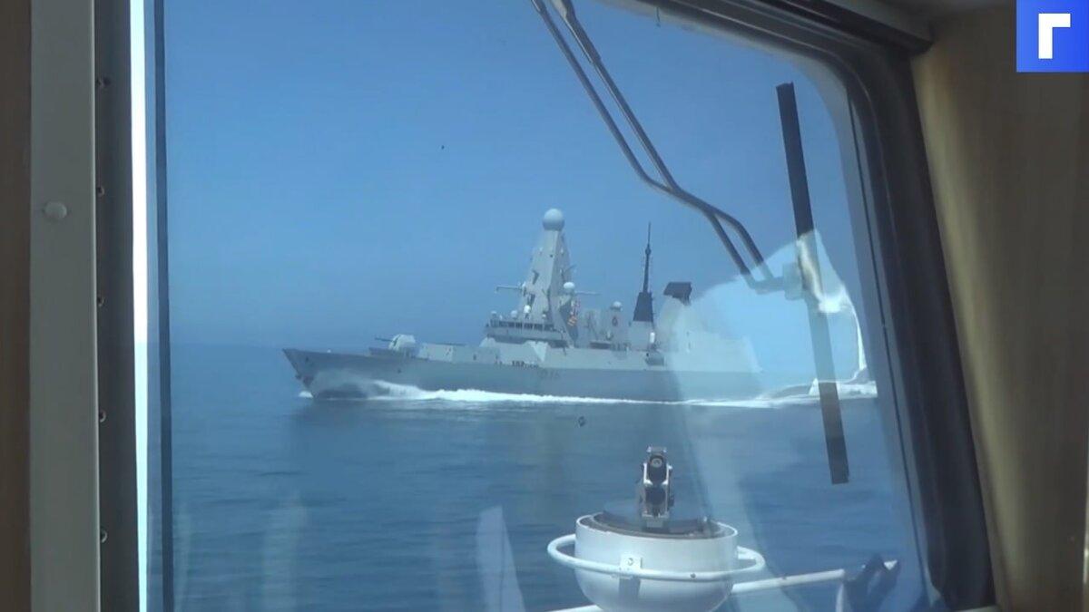 В НАТО отказались уходить из Черного моря после инцидента с британским эсминцем Defender