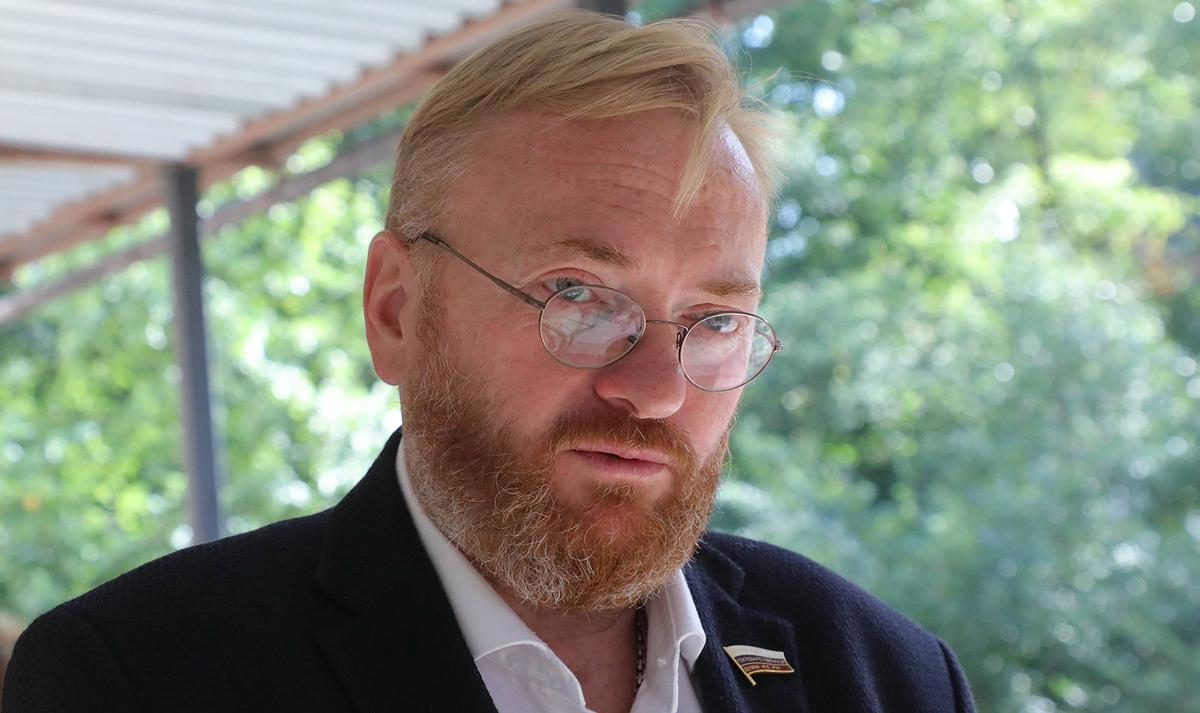 Милонов рассказал об обслуживании ЗакСом Петербурга интересов застройщиков